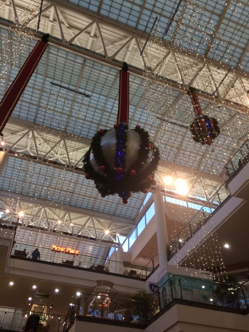 Love the mall at Christmastime.