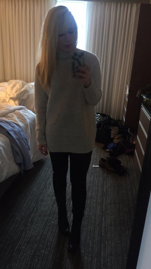 Sweater: H&M, Leggings: Express, Booties: Dibya, Lip: Sephora Pantone Universe