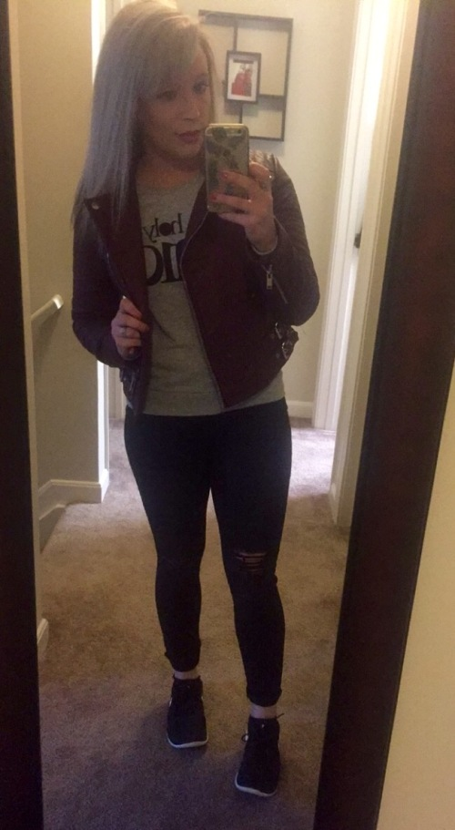 Oxblood biker jacket: Forever 21, Sweatshirt: H&M, Denim: Old Navy, Shoes: Nike Free's